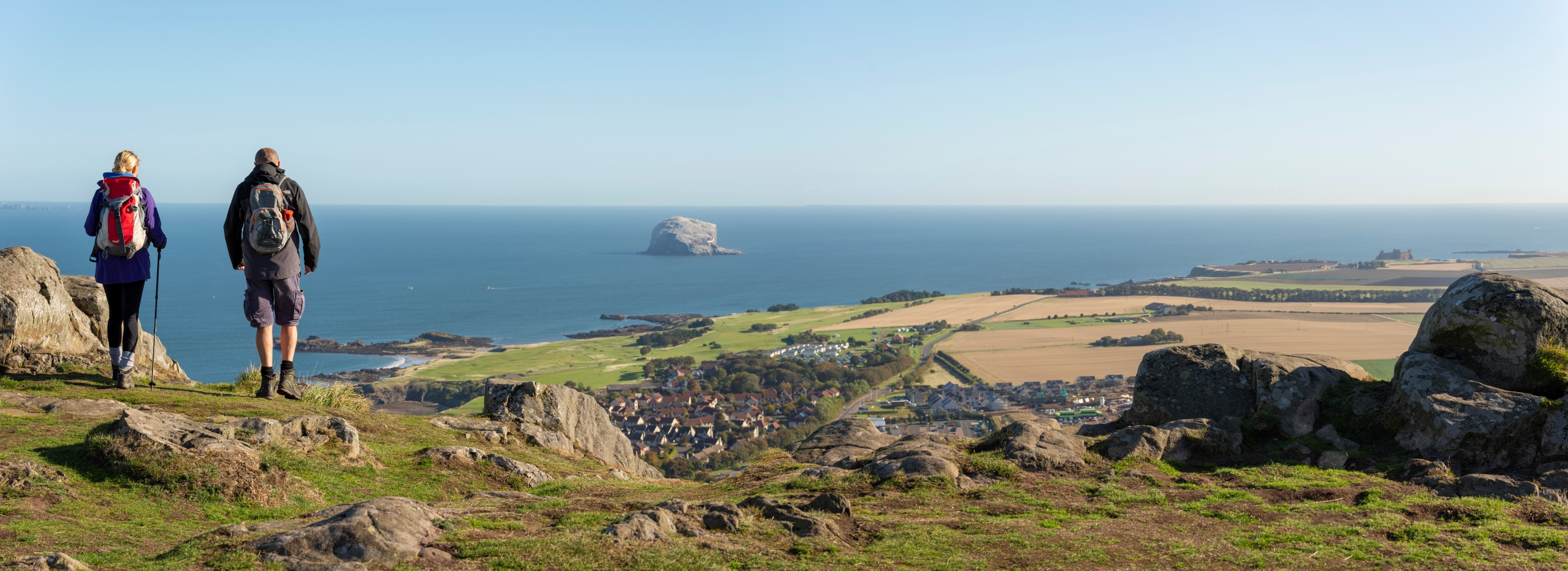 S10 North Berwick Law view pano