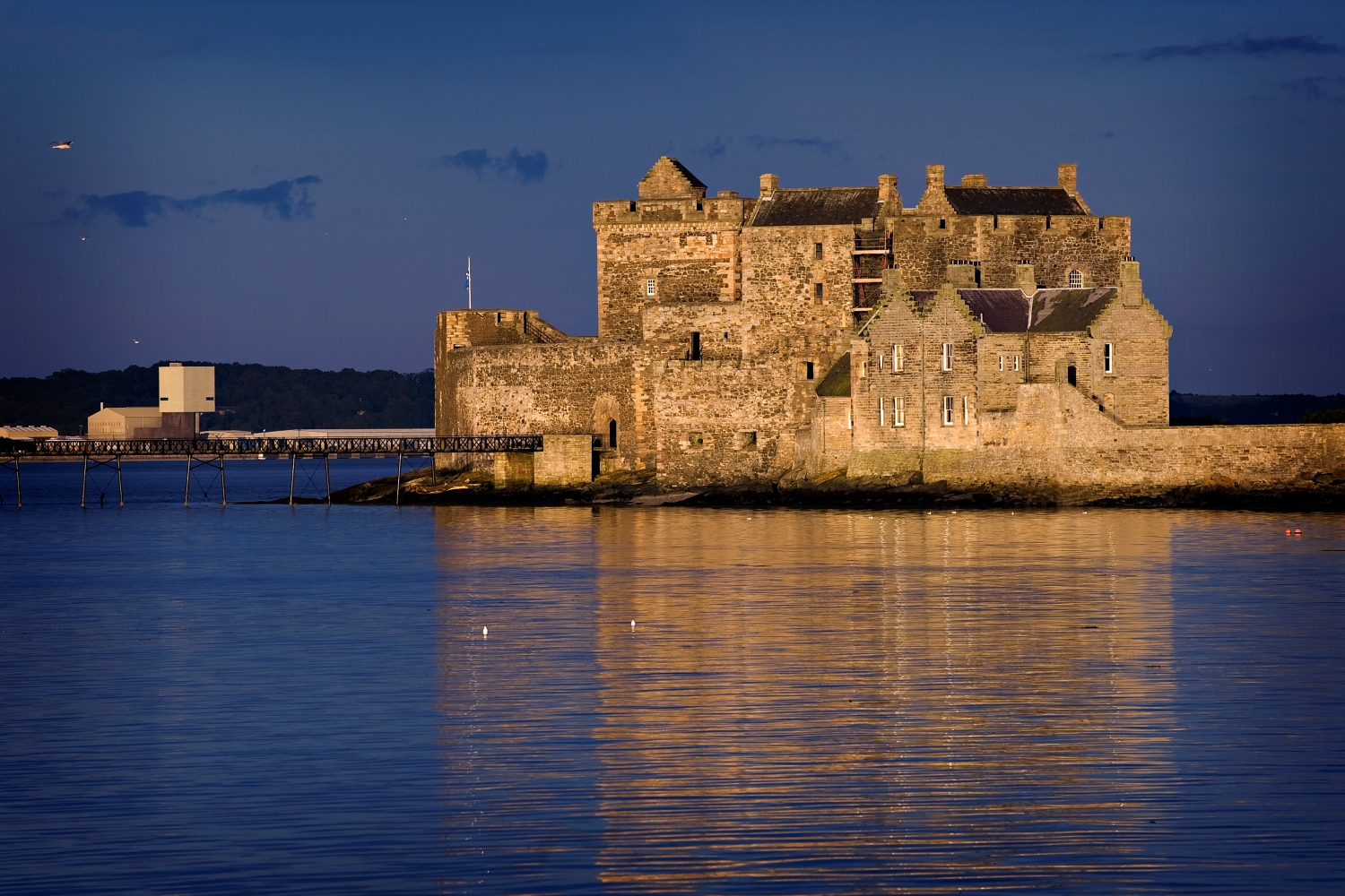 S6 Blackness Castle at night
